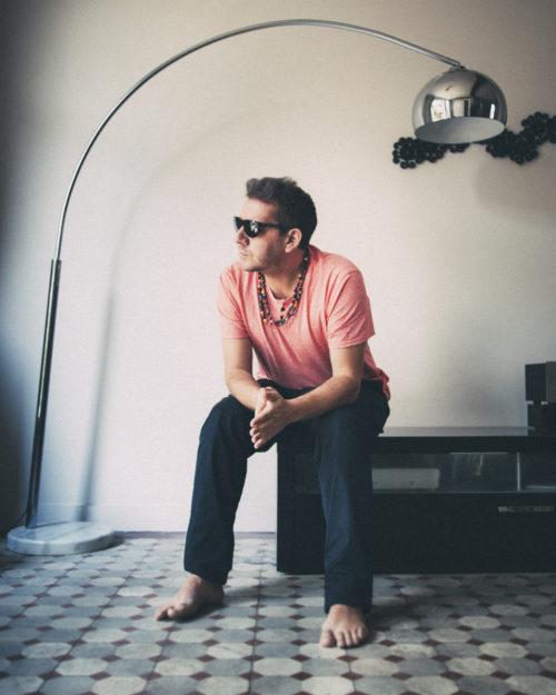 """Mathias Cassel, alias Rockin' Squat a publié en octobre """"Chronique d'une formule annoncée"""" (Livin' astro éditions) / Photo : doc. remis / tous droits réservés."""